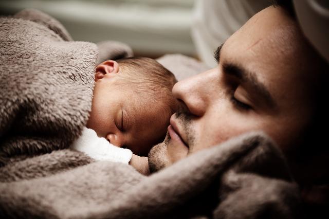 sommeil bebe papa